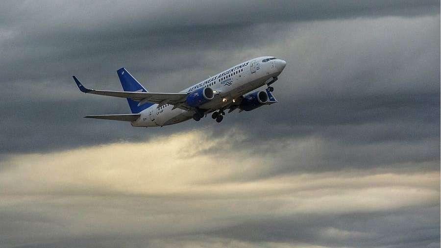 Paro de remiseros obligó a cancelar vuelos de Aerolíneas Argentinas y Austral