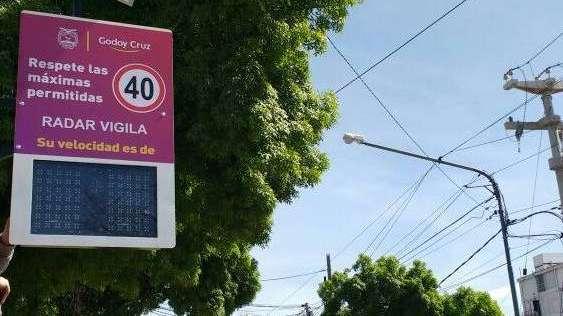 Instalaron sensor solar de velocidad en Godoy Cruz