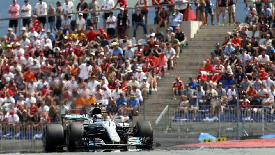 """F1: se puso las """"Bottas"""" y los pisó con el Mercedes"""