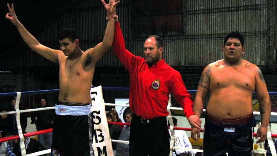 Jorgito Arias ganó por nocaut