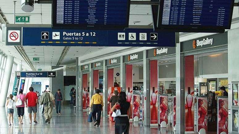 Demoras en los vuelos de LAN por un conflicto gremial en Aeroparque