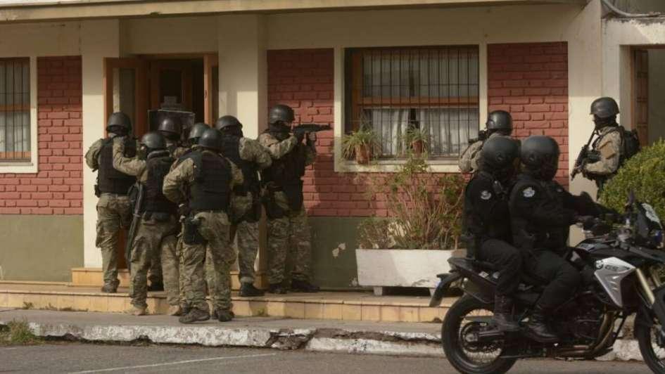 Fotogalería: policías mendocinos participaron en un simulacro con toma de rehenes