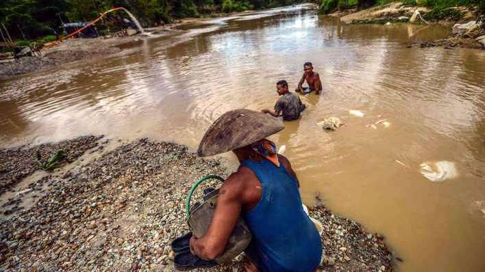 Búsqueda ilegal de oro, submundo de caos en Venezuela