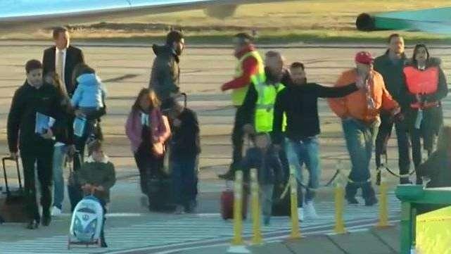 Leo Messi y Antonella arribaron a Rosario para los preparativos de su boda