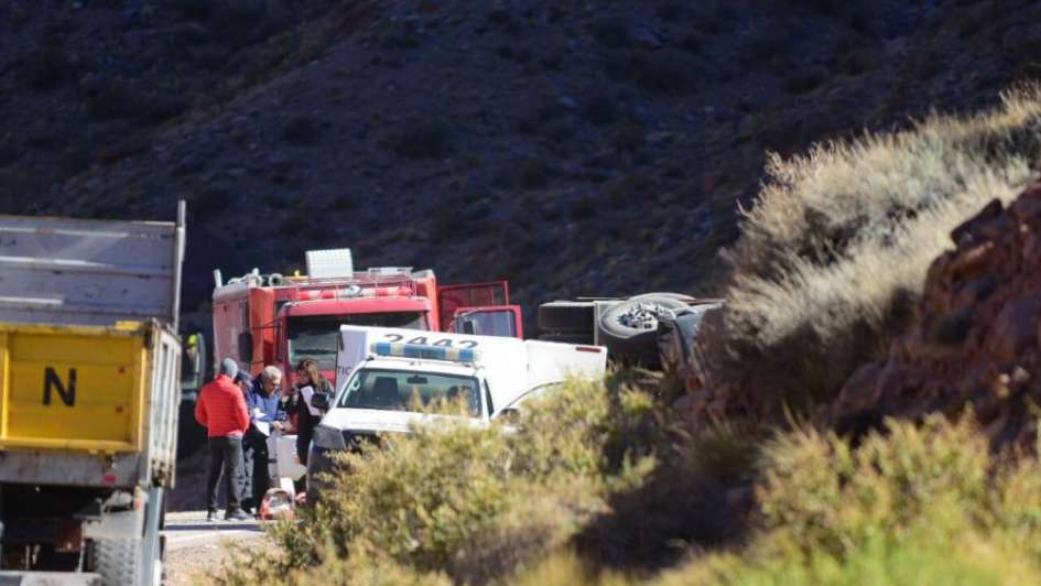 Imputaron de homicidio al chofer del camión que chocó una traffic en la ruta a Chile
