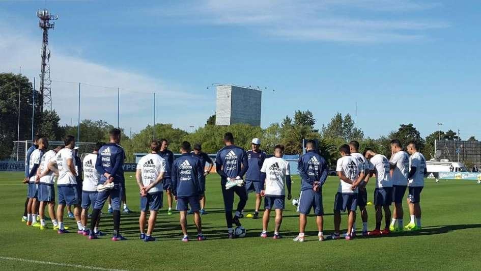 Eliminatorias: Argentina se entrenó en Ezeiza a la espera de Leo Messi