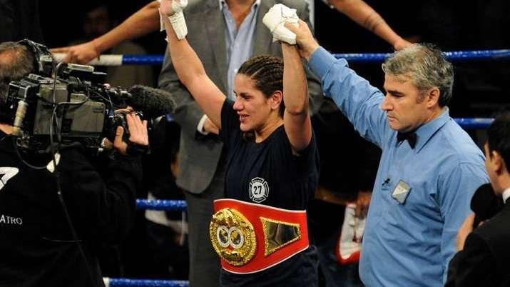 La rosarina Bustos y la estadounidense Connor pelearán por el título ligero FIB