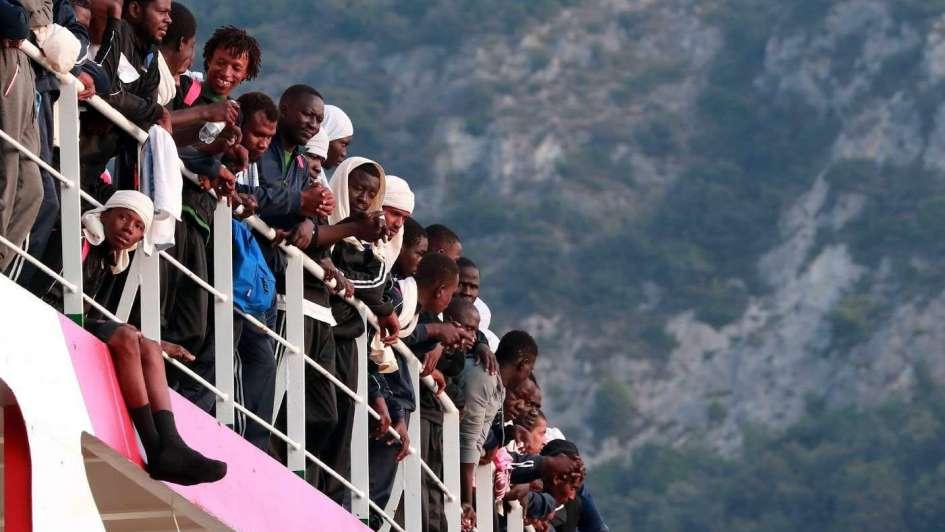 """En Europa patrullarán el Mediterráneo para """"cazar"""" inmigrantes"""