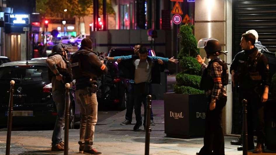 Estado Islámico reivindica el ataque en París a tres días de las elecciones presidenciales
