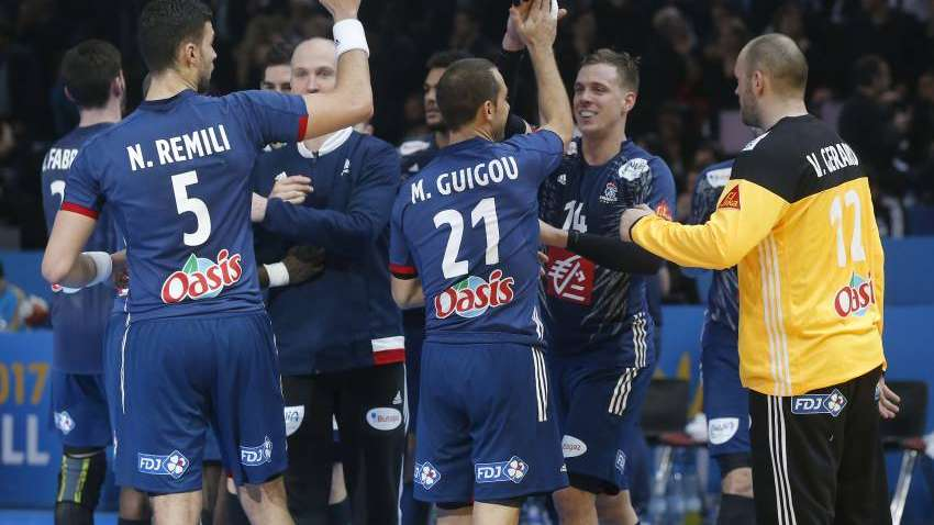 Handball: Francia comenzó la defensa del título con un triunfo frente a Brasil