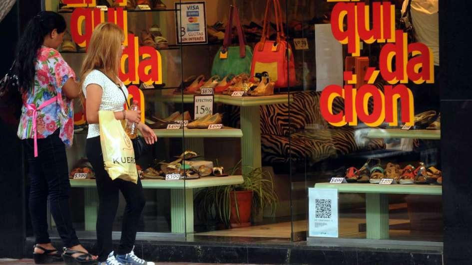 Los comercios del Centro afirman que priorizan no perder ventas en vez de subir precios
