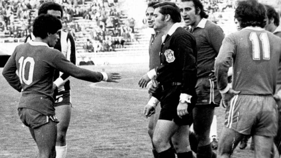 Postales:  Maradona en Mendoza