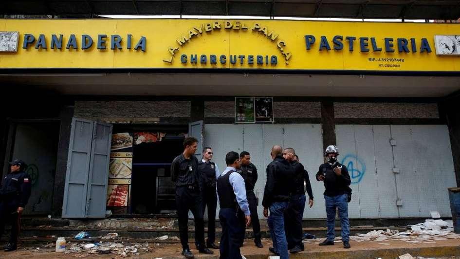 Crisis en Venezuela: murieron 10 personas en un intento de saqueo en comercios