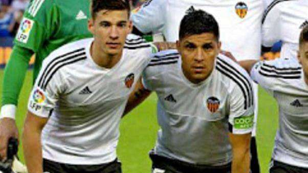 Santi Mina, compañero de Enzo Pérez en Valencia, fue acusado de abuso sexual