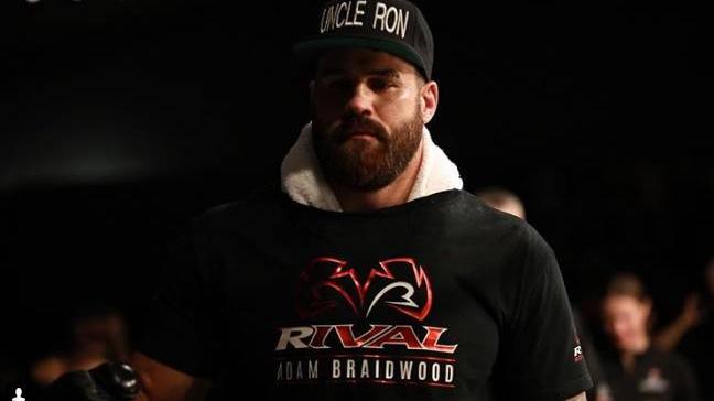 Triste: falleció el luchador Tim Hague tras haber caído seis veces en la pelea