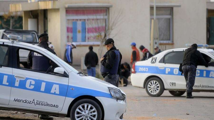 Dos hombres fueron asesinados en escasos minutos en Guaymallén