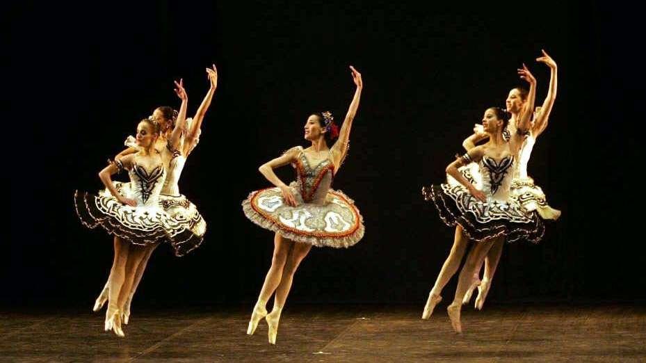 """""""Las bailarinas  no hablan"""": secretos de ballet"""