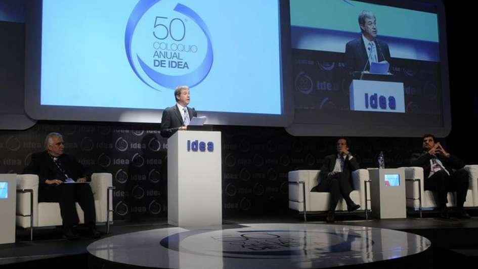 Con más de 1.000 empresarios y sin funcionarios locales comenzó el Coloquio IDEA