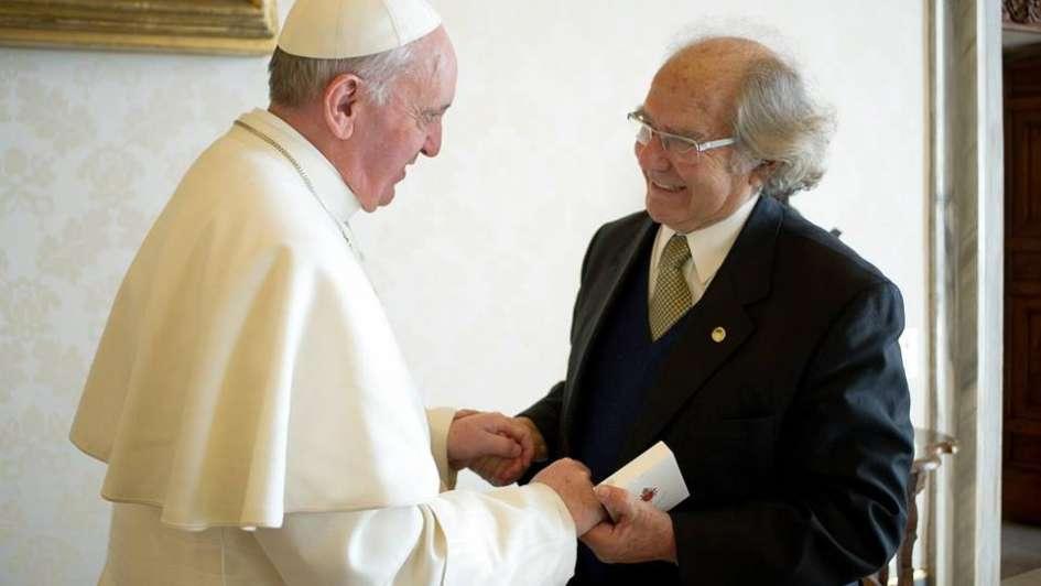 El papa Francisco recibió al premio Nobel de la Paz Adolfo Pérez Esquivel