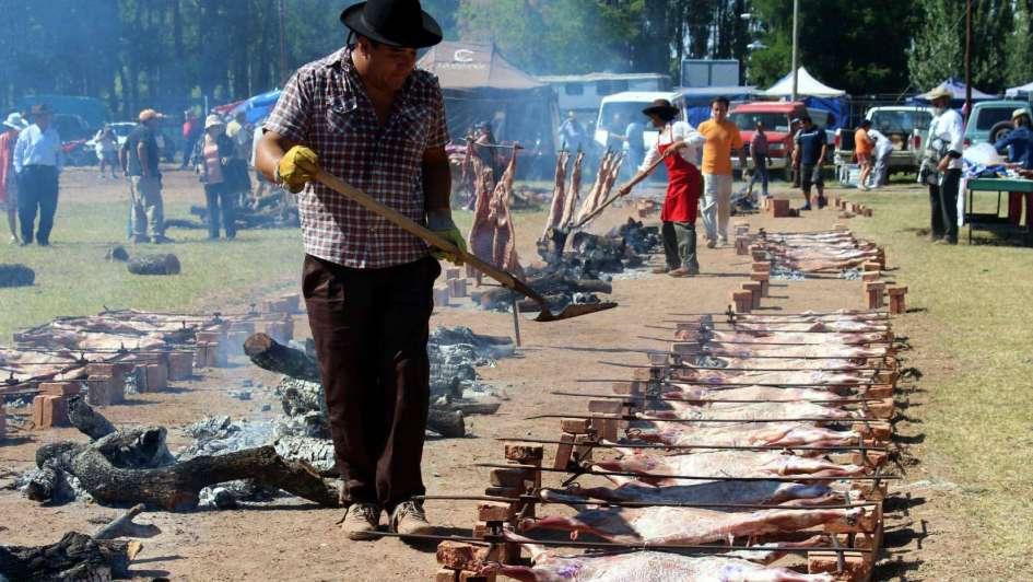 Malargüe: cierre de fiesta con chivitos asados y destrezas criollas