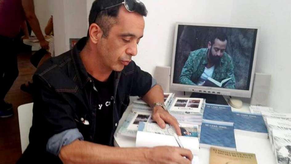 Rolando López: un autor mendocino en la Feria de Cádiz