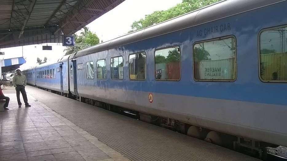 Un granjero indio ganó un juicio y recibió un tren como indemnización