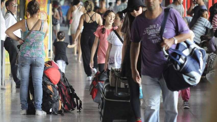 El Gobierno eliminó los feriados puente y hay polémica