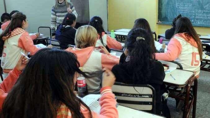 Maipú otorgará 200 becas a estudiantes