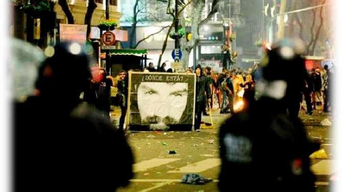 La marcha por Santiago Maldonado: el medio es el mensaje