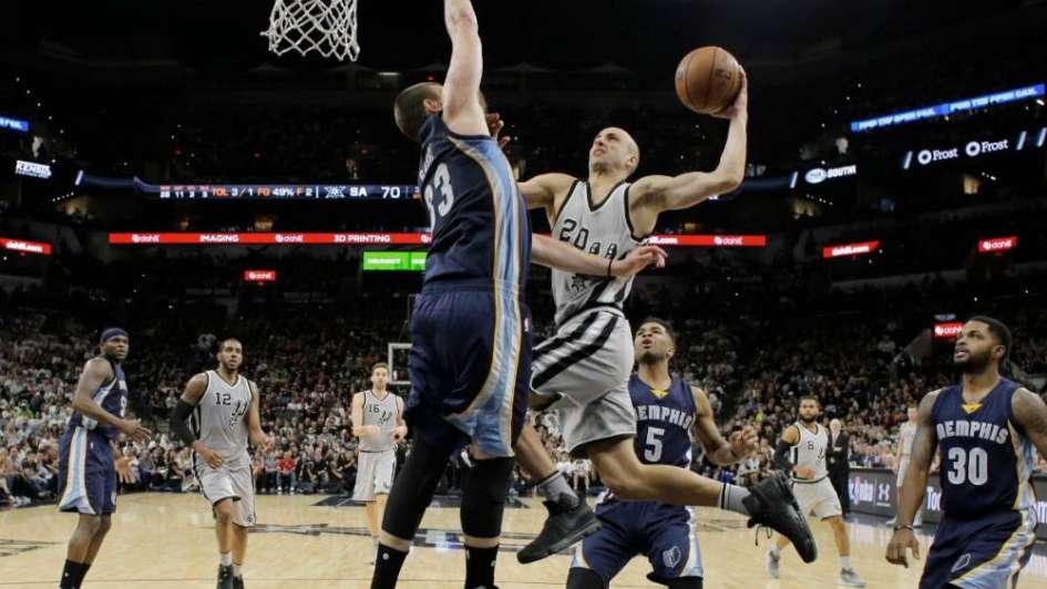 NBA: con Ginóbili, los Spurs vencieron fácilmente en el primer duelo de play off