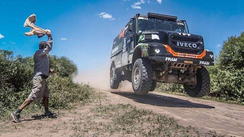 Dakar 2017: Villagra, Yacopini y Torlaschi meten presión con su camión