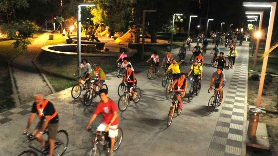 De noche y en bici por la Ciudad