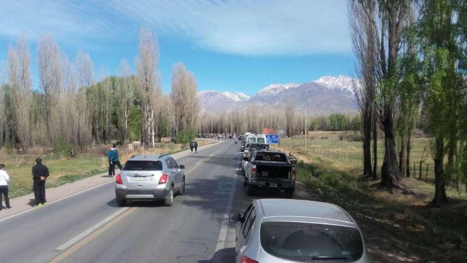 Hay 4 horas de demora en el paso a Chile y recomiendan no viajar hoy