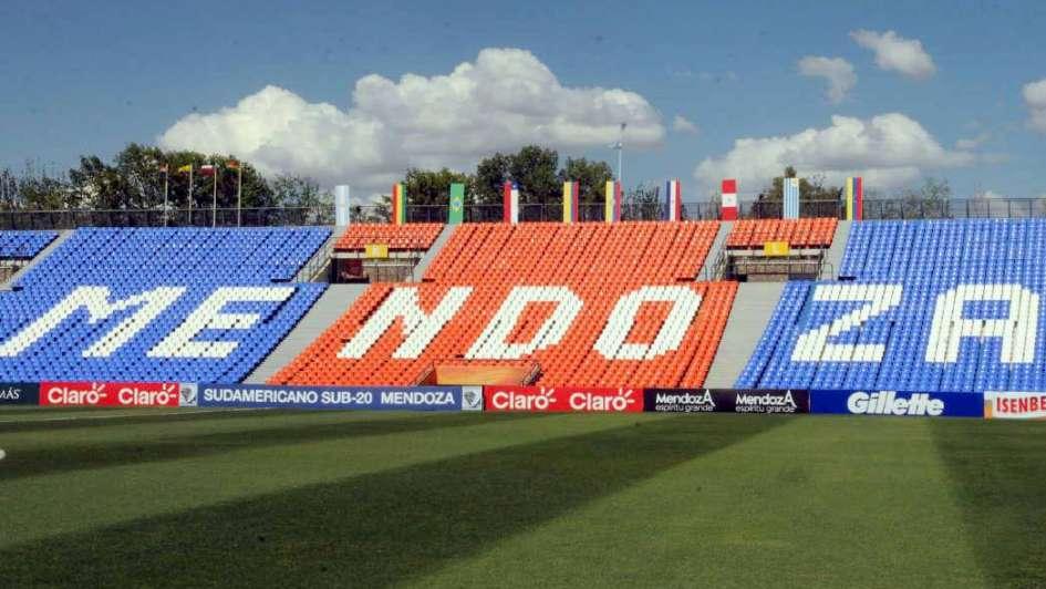 Preocupa el mal estado en que se encuentra el Estadio Malvinas Argentinas