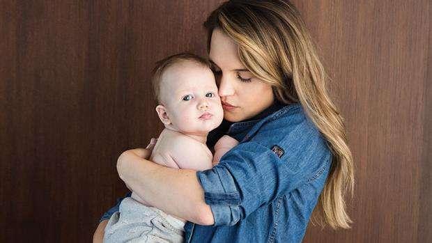 Sabrina Garciarena realizó una tierna producción de fotos junto a sus dos hijos