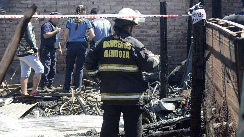 Tragedia en San Martín: una abuela murió tras incendiarse su casa