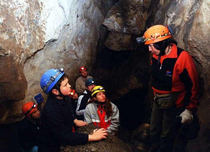 De cuevas y otros agujeros