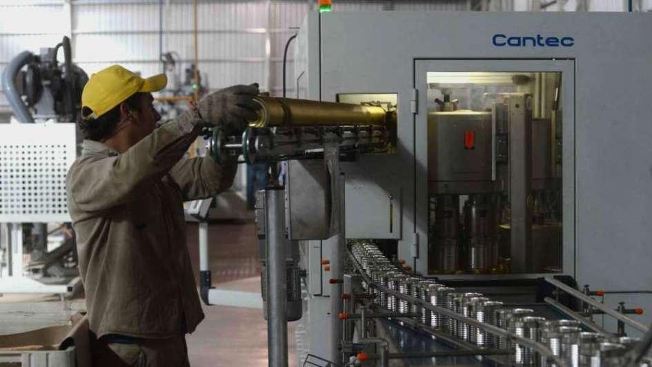 La actividad industrial se contrajo 2,2%