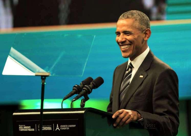 Obama, con paso de estadista y tono ambiental