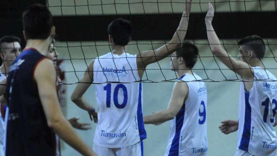 La U y Tunuyán en el partido más atractivo
