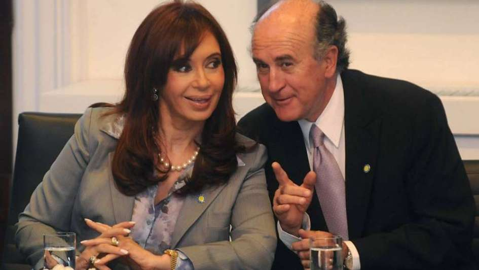 Cristina Kirchner, más fina que las gallinas: