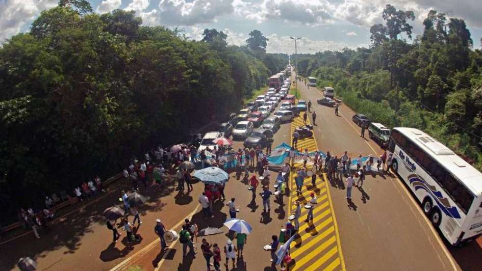 Docentes misioneros marcharán 100 kilómetros para pedir un aumento del 35%