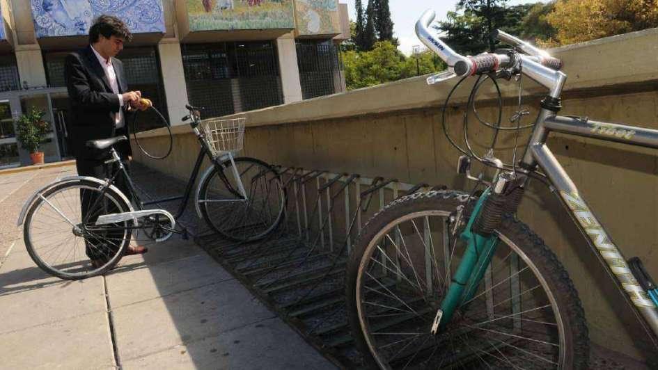 Para subirse a la bici y pedalear hasta el trabajo