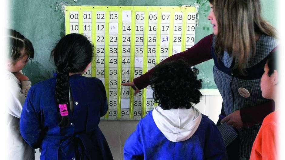 Valoran enseñanza de género y educación femenina