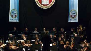 El concierto que brindará esta noche la orquesta de la Universidad es poderoso e importante.