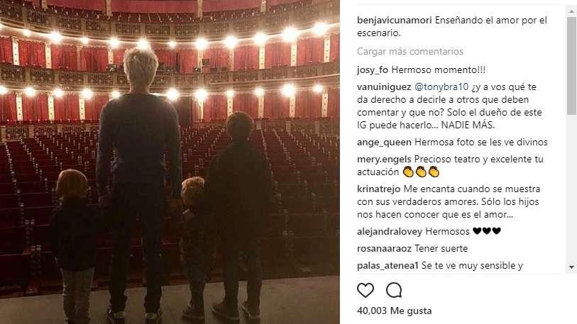 Benjamín Vicuña la China Suárez y una romántica selfie en un ascensor
