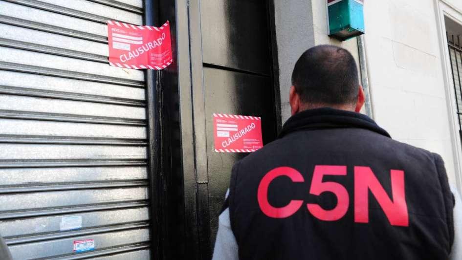 El canal C5N denunció censura de Macri tras la clausura de su garage de móviles
