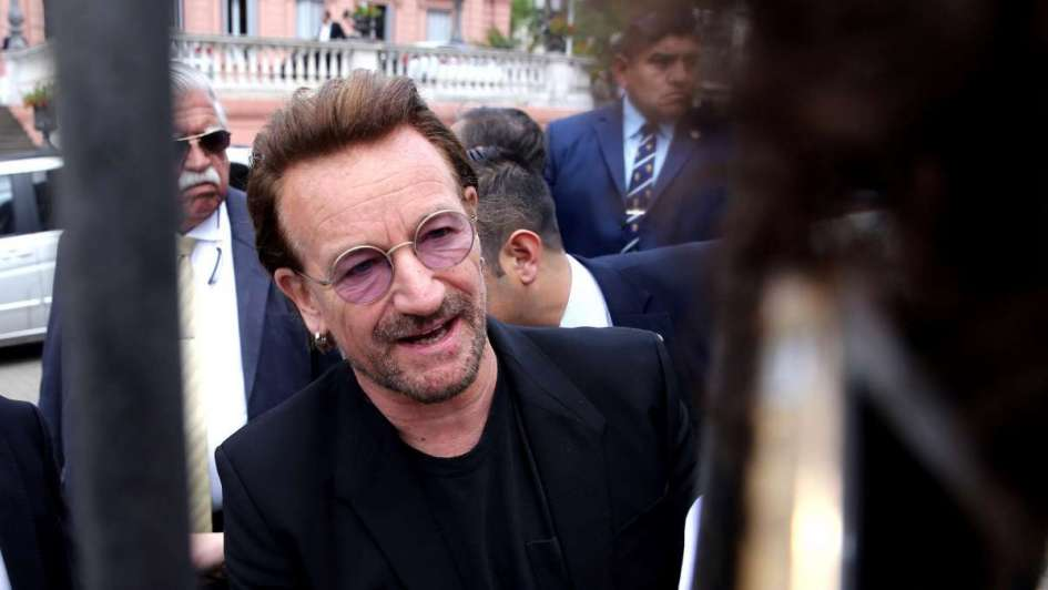 U2 retrasa su show por el partido de Argentina