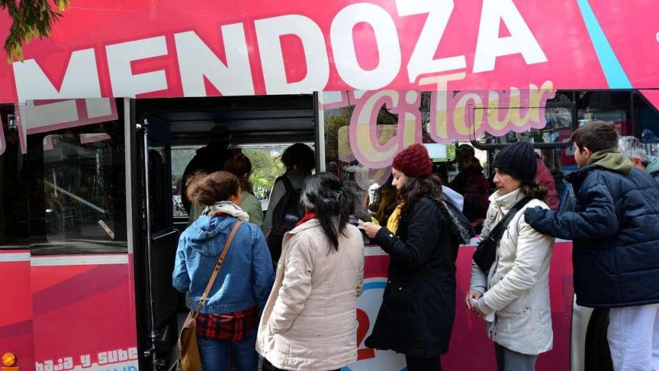 Más de 345 mil turistas visitaron Argentina en junio
