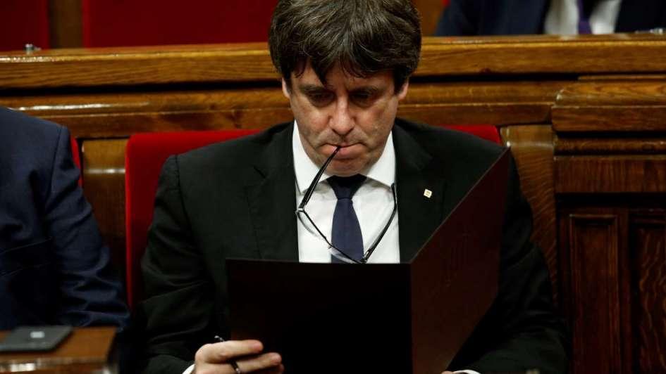 Gobierno catalán firmó la independencia simbólica y España dice que